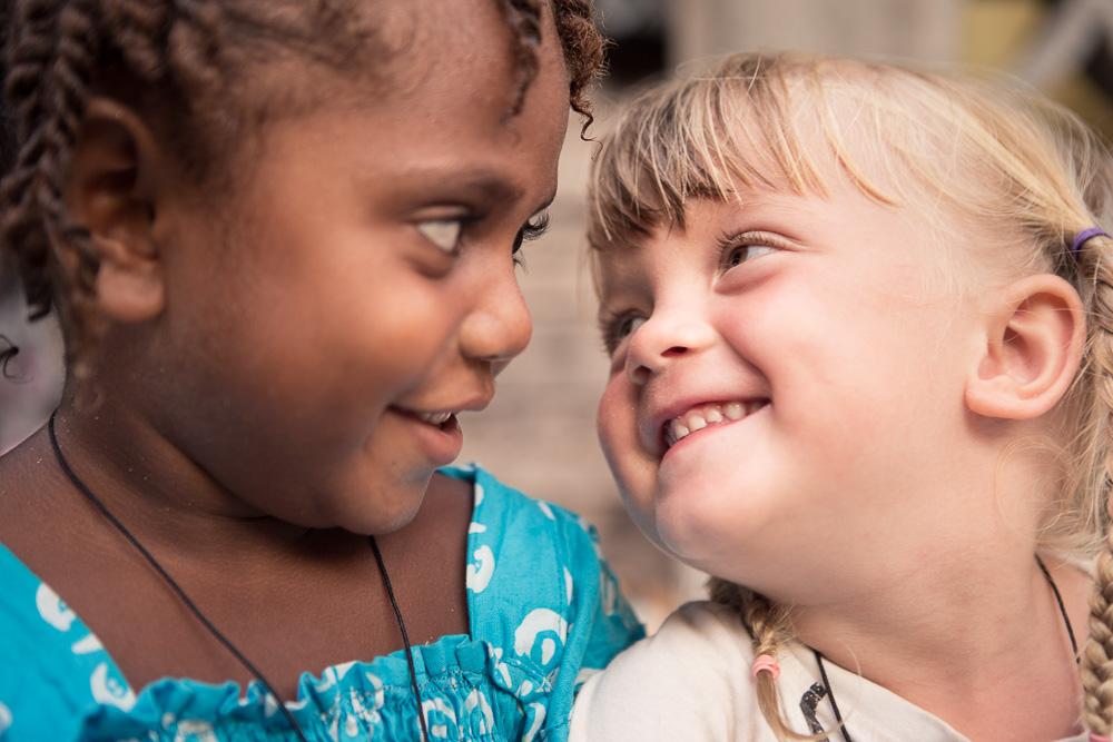 Atchin (Vanuatu, Malekula): Love - Mila and Isabel