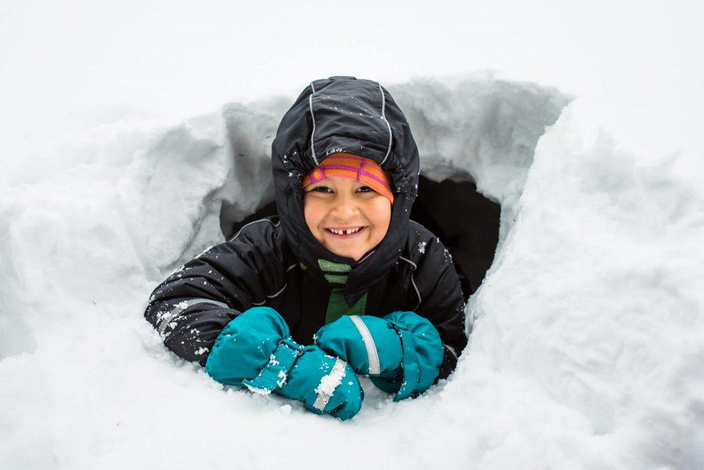 Jak się ubrać do zimowych zabaw na śniegu